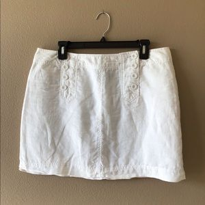Linen short white shirt.